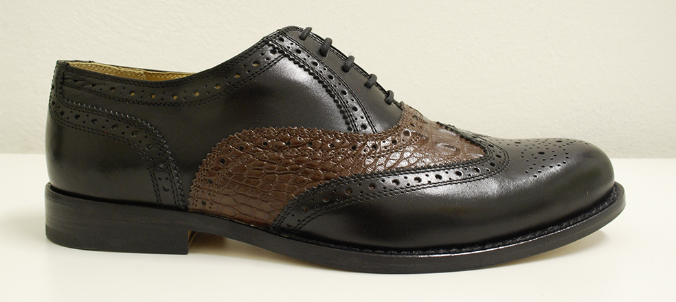 Men's shoe, leather black and caiman leather