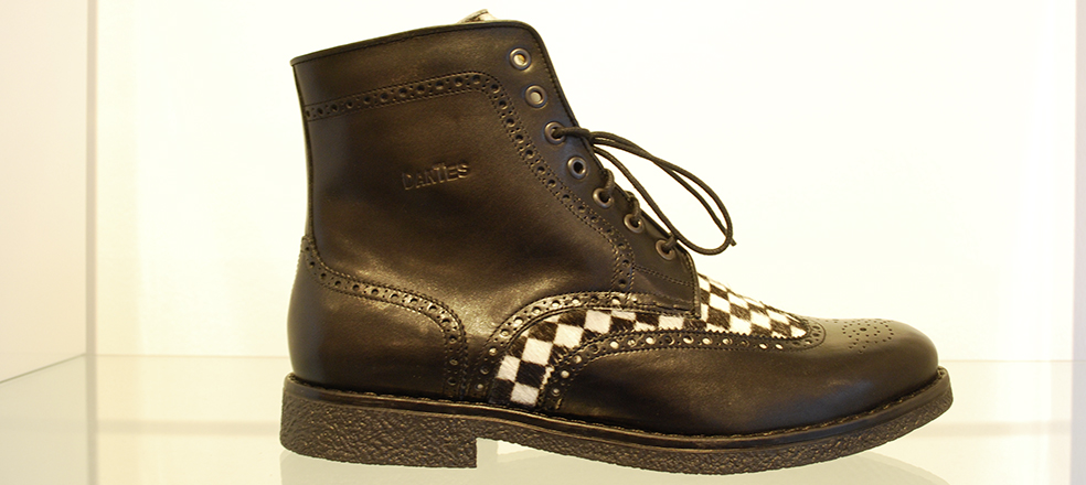 Men's boot, leather